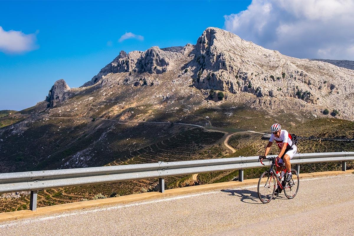 Radfahrer am Monte Albo.